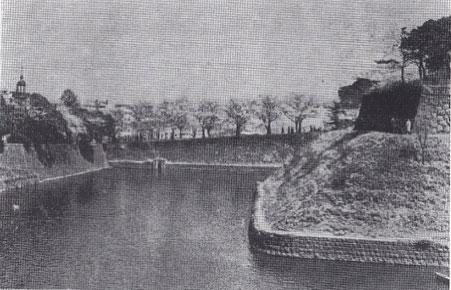 1955(昭和30)年頃の田安門の桜と千鳥ヶ淵